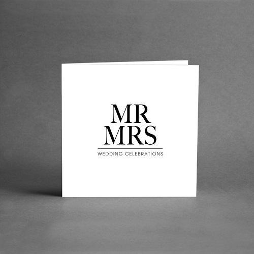 Gratulationskort i vit botten och svart text mr mrs vedding celebrations från card store