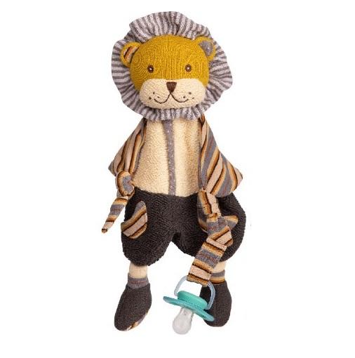 Lejonet Nicolas från Bukowski Design gosedjur. Härligt lejon att ge bort bland annat i doppresent eller födelsedagspresent. Bukowskinallen är i mjuka färger i svart, gul, vitt och grått, randiga respektive prickiga armar och ben. Gul väst och ca 40cm